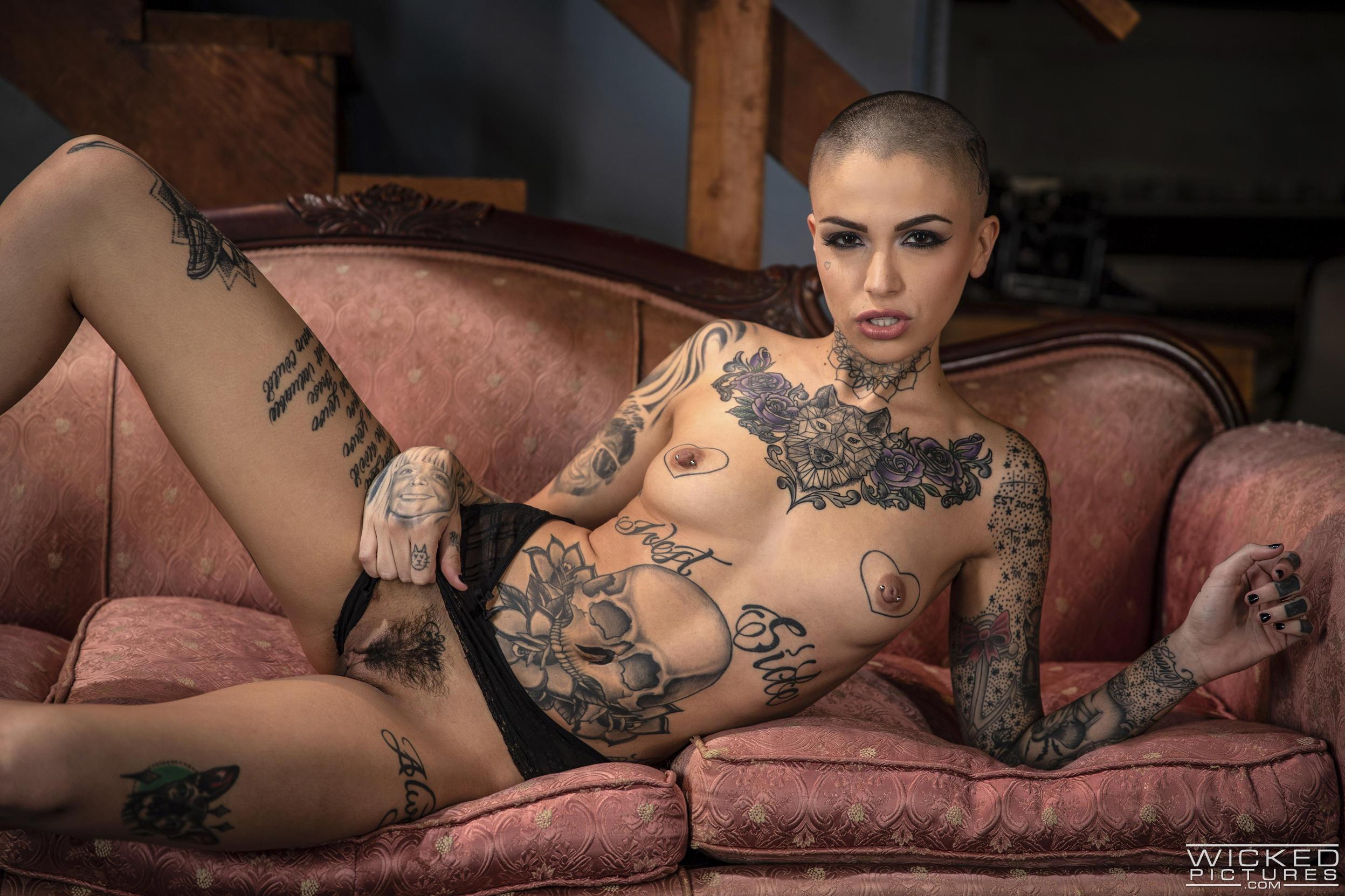 Raven Baxter Porn